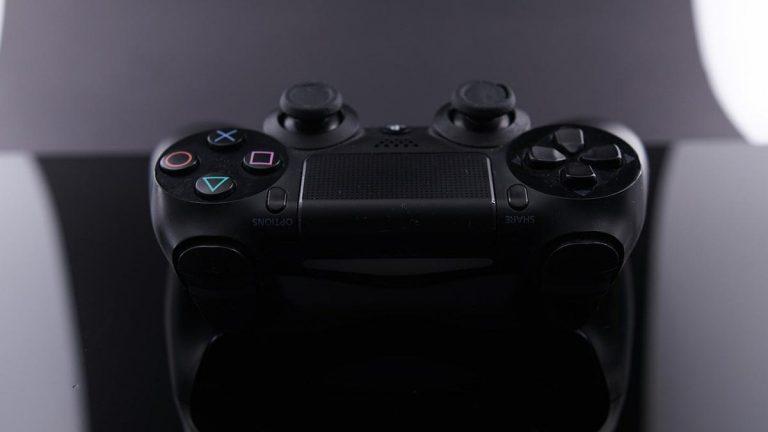 Wielu graczy w PlayStation wybiera kupowanie nowych gier w sklepach online