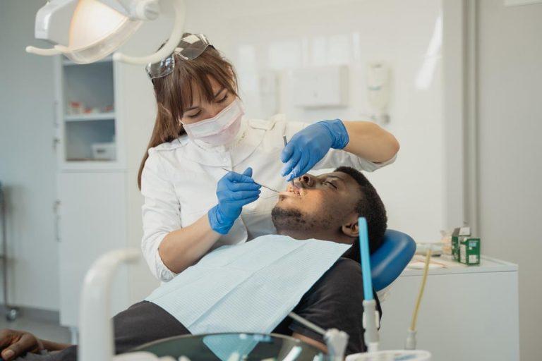 Czy wystarczająco dbasz o swoje zęby?
